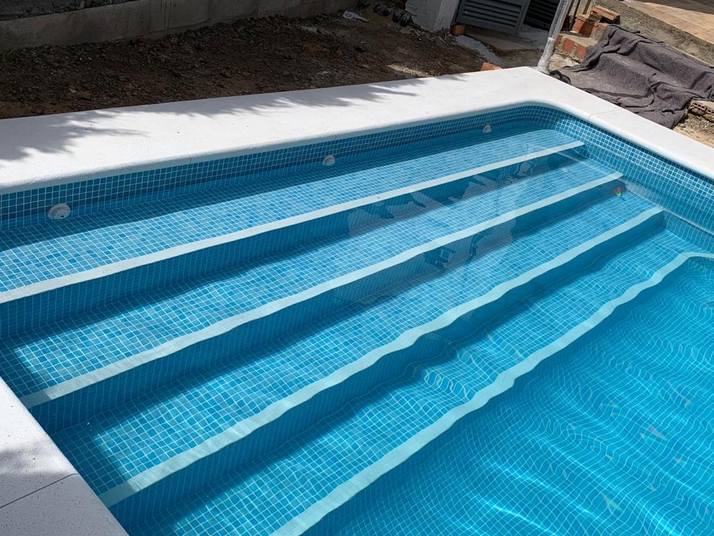Technipool mantenimiento y construcción de piscinas. Sevilla. Aljarafe. Tienda online. Urbanizaciones. Hoteles. Cloro. Limpia fondos. Invernadas.